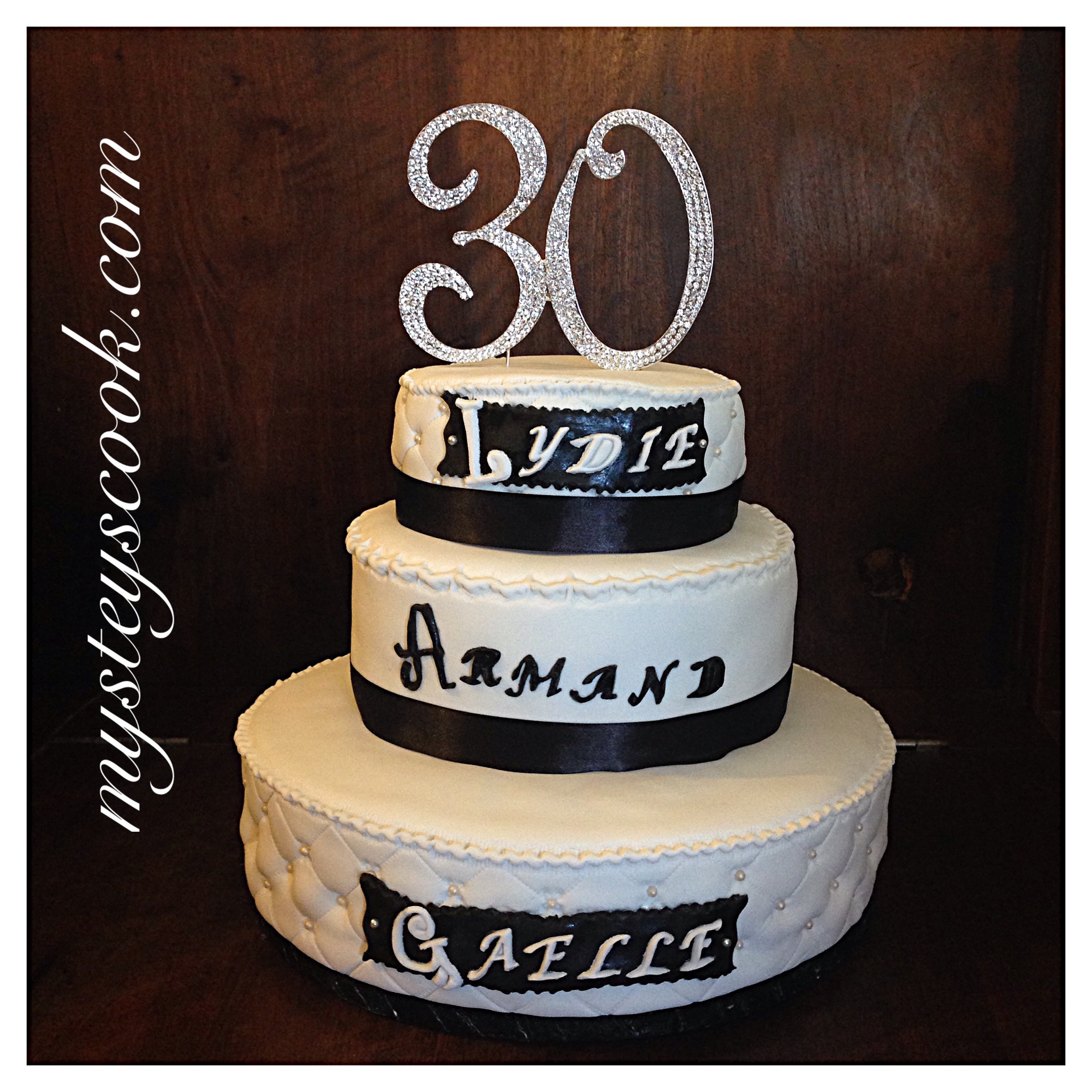 anniversaire24 gateau anniversaire 30 ans homme. Black Bedroom Furniture Sets. Home Design Ideas